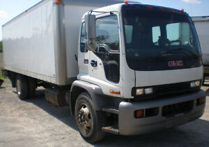 2007 GMC T7500 Cabover Box Truck / Van Truck with tailgate