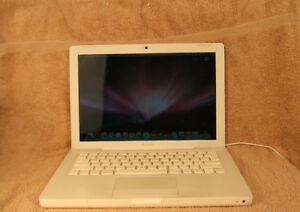 MACBOOK A1181, CORE 2 DUO, 4GB RAM, 110GB HDD, INTEL GMA X3100
