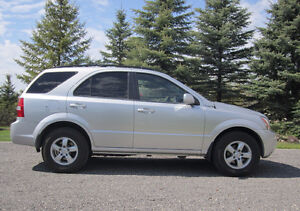 2009 Kia Sorento LX (4WD)  *New Tires*