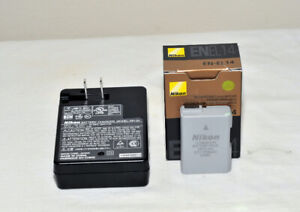 Nikon OEM MH-24 Quick Charger with EN-EL14 Li-ion Battery