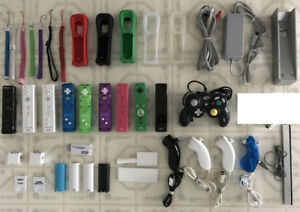 WII Accessories - Wireless Controllers / Power Bar / Sensor