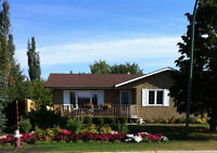 PRICE REDUCED - SUPER FAMILY HOME IN MORRIS, MB