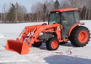 Backhoe attachment for Kubota Tractor