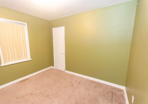 2 BEDROOM BUNGALOW WITH 1 AND 1/2 CAR GARAGE - PRIVATE FINANCING Windsor Region Ontario image 8