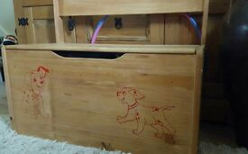Children's pine storage chest and seat