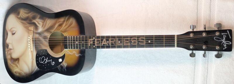 Taylor Swift Autographed Airbrushed Guitar Huntington Acoustic COA Beautiful!
