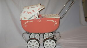 DOLL CARRIAGE - THISTLE - ANTIQUE