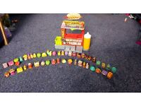 Series 2 Grossery Gang Horrid Hot Dog Stand with squirty mustard and 2 excusive grossery gang