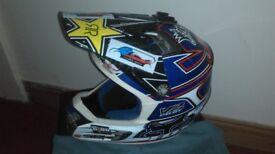 FOX V2 motocross helmet