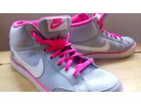 Nike Capri 3 Trainers size 5 (38) - Grey / Pink
