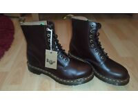 Dr Martens AirWair Brown Boots Size 7 UK, 40 EU Mens & Womens Shoes *NEW*