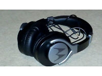 Motorola Pulse 2 Ultra Lightweight On-Ear Wired Headphones with In-Line Microphone - Black