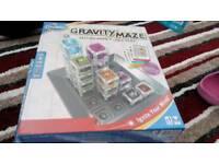 Gravity maze board game