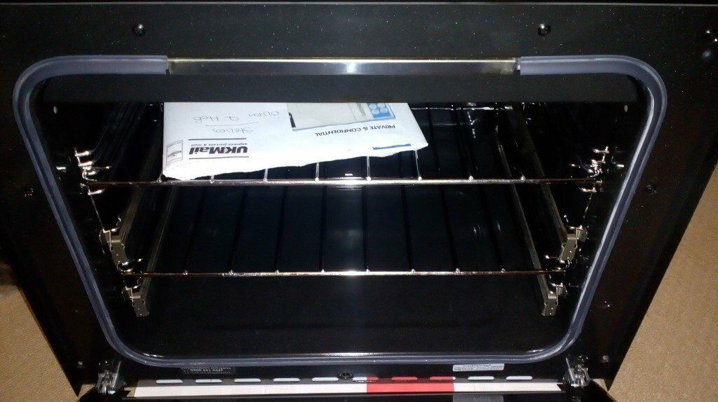 Stoves Black Gas Oven and Hob in Excellent Condition-Barely Used.