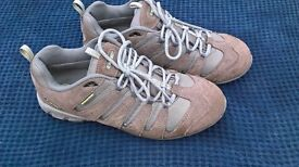 Quality pair of Hi-tec Trainers in a size 7