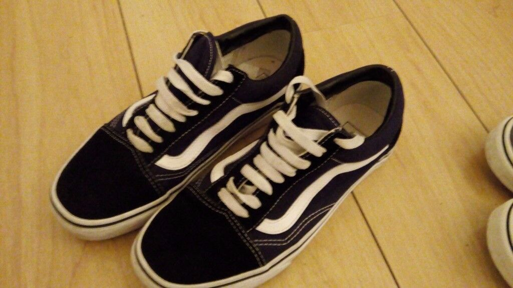 944c9857c79 Vans x 2 pairs for sale size 6 Old School   Off the Wall