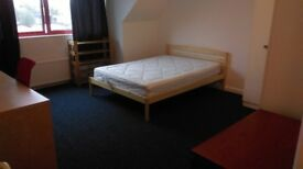 LARGE DOUBLE ROOM IN A FLAT WITH LIVING ROOM, NEXT TO WESTHAMPSTEAD STATION, NO FEES, BILLS INCL