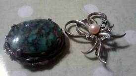 Two vintage broaches
