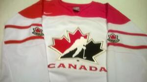 NEW - NIKE Team Canada Twill Jersey - White - Small