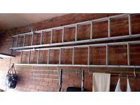 Aluminium extending ladders, 2 piece
