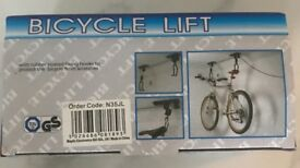 Cycle lift to store bike off the floor