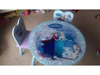 FROZEN Table and 2 chairs