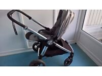 Mamas and Papas Ocarro in storm grey - includes Accessories