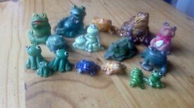 Many various collectible China frogs. Ideal for a collector or someone who does car boot sales.