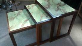 ONYX STYLE NEST OF THREE TABLES