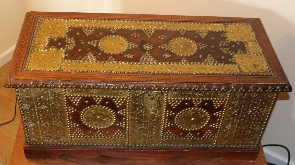 Stunning Antique Brass Studded Arab Chest solid teak wood  : 86 from www.gumtree.com size 1024 x 574 jpeg 114kB