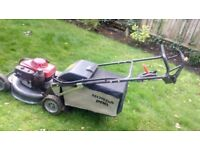 Professional lawn mower Honda HRH 536HX in very good condition - RRP£1500