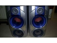 Aiwa speakers with built in subwoofers