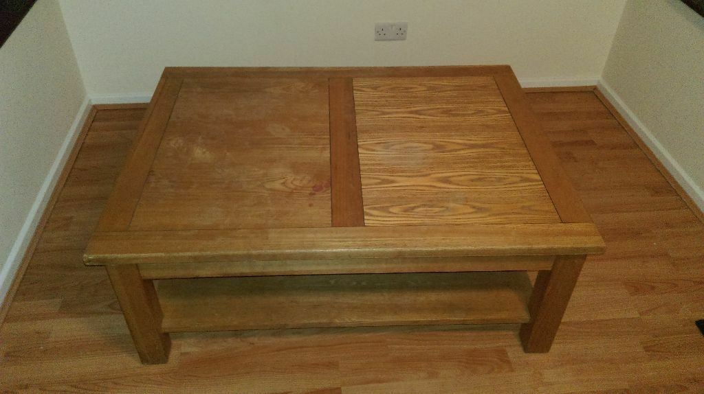 Large oak coffee table 80 in didcot oxfordshire for Coffee tables gumtree