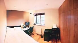 Modern En-suite room in Chalk Farm