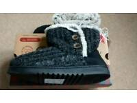 New Ladies knitted slipper boots size M
