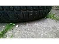 Audi alloys 17 inch whit tyres