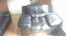 Black leather 3 piece suite.
