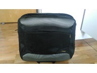 Targus Rolling Notebook Travel Case (Model TCG 717) New, unused and in excellent condition