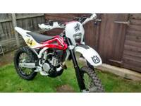 Husqvarna TE250 2010 road legal Enduro low miles. Ktm husaberg wr