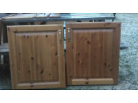 Wooden kitchen unit doors (x9) and drawer fronts (x3)