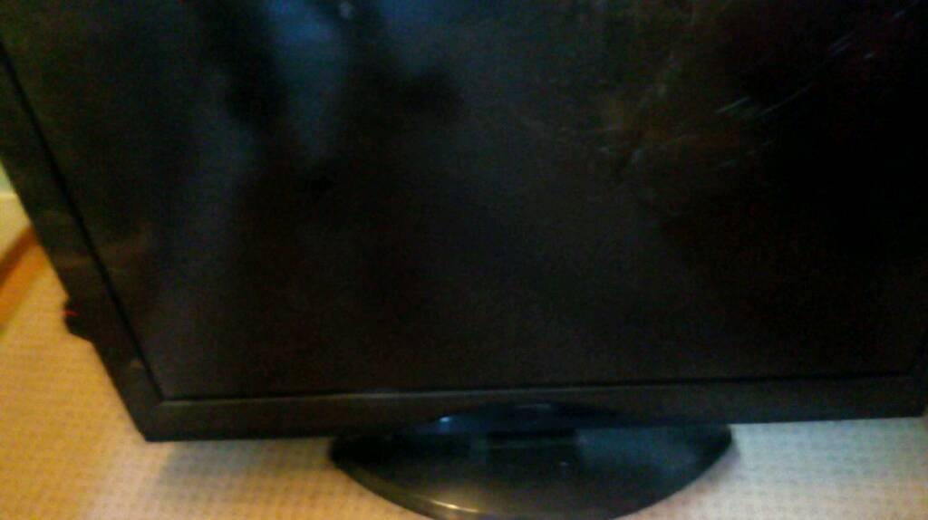 """37"""" tv its not working screen broken"""