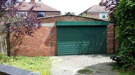Large triple garage/ Workshop/unit available with services double
