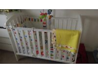 Cot/travel cot with basonette/ bedding including mobile