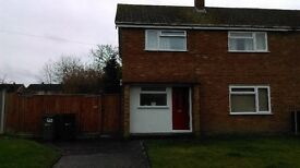 3 BED HOUSE with large double livingroom and large garden