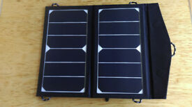 GREAT XMAS PRESENT! TITAN ENERGY UK FOLDING SOLAR PANEL BAG FOR CHARGING PHONES, KINDLES, IPADS...