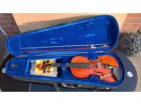 3/4 Violin and carrying case