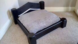Luxury bespoke raised Dog/cat bed