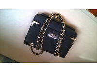 Black and Gold Women's Hand-Bag