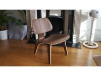 Eames Lounge Chair - LCW - Herman Miller Not