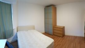 Limited time only! Double room near stratford station